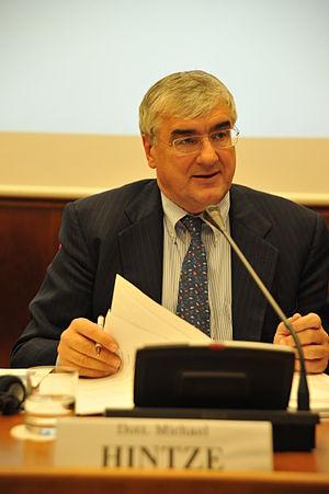 Michael Hintze - Image: Michael Hintze in 2011