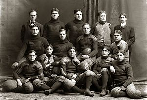 1900 Michigan Wolverines football team - Image: Michigan Wolverines footb 1900
