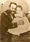 Miguel Grau y su hijo Enrique.jpg