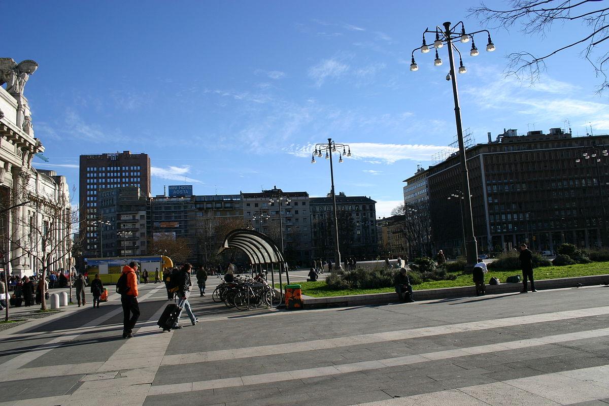 Hotel In Piazza Duca D Aosta Milano