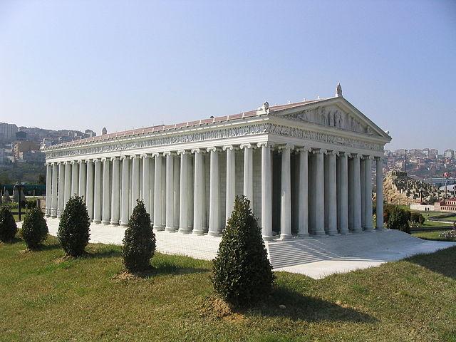 Reconstrucción del Templo de Artemisa, en un parque de atracciones en miniatura