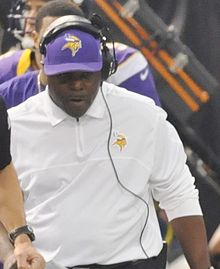 Minnesota Vikings RB coach James Saxon in 2012.jpg