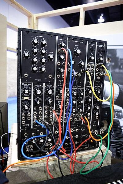 File:Moog System 15 - 2015 NAMM Show.jpg