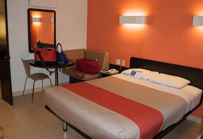 File:Motel-6-room-interior-Santa-Barbara-CA.jpg