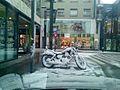 Moto bajo la nieva.jpg