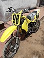 Motocicleta amarilla.jpg
