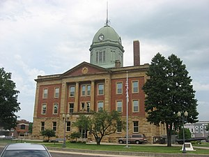 Moultrie County, Illinois - Image: Moultrie County Courthouse, western side from south