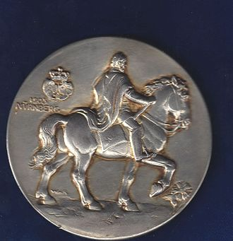 Wilhelm von Rümann - Nürnberg, Art Nouveau Silver Medal 1905 by Ruemann, reverse. This large medal was given by the city of Nürnberg to the Royalties attending the ceremony of the unveiling of the monument in honour of Kaiser Wilhelm I on 14 December 1905 in Nuremberg.
