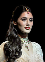 Nargis Fakhri walks for Ritu Kumar at LFW 2013 (3) (cropped 2).jpg