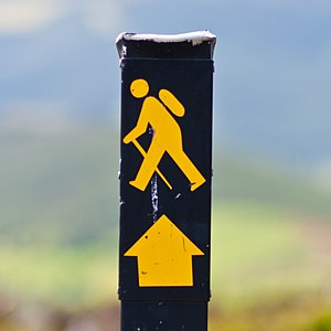 English: Waymarking sign, comprising an image ...