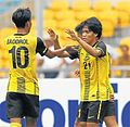 Nazmi Faiz with his teammate, Baddrol Bakhtiar.jpg