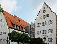 Neckarsulm-ZweiradMuseum-Innenhof.JPG