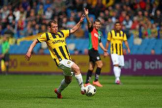 SBV Vitesse - Nicky Hofs played for Vitesse 194 matches. He was the cousin of Bennie Hofs and Henk Hofs.
