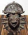 Nigeria, regno del benin, edo, pendente a forma di testa di governatore, 1890 ca.jpg
