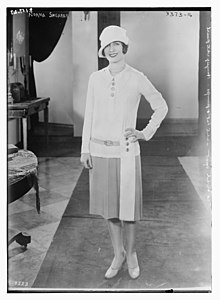 Norma Shearer in short dress.jpg