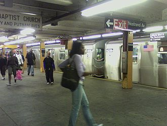 Nostrand Avenue (IND Fulton Street Line) - An A train of R160s on the upper level