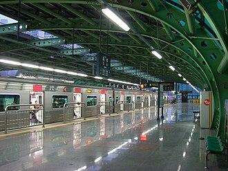 Oksu station - Image: Oksu 02