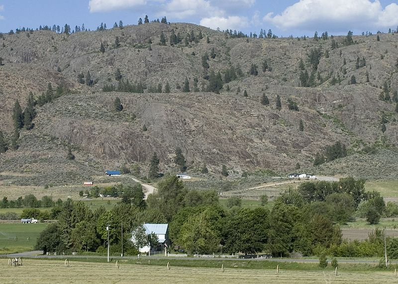 Outcropping near Riverside WA.jpg
