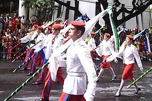 Desfile dos alunos em Salvador (Bahia) com o Uniforme de Gala (1ªA CM). d667f4bd03f
