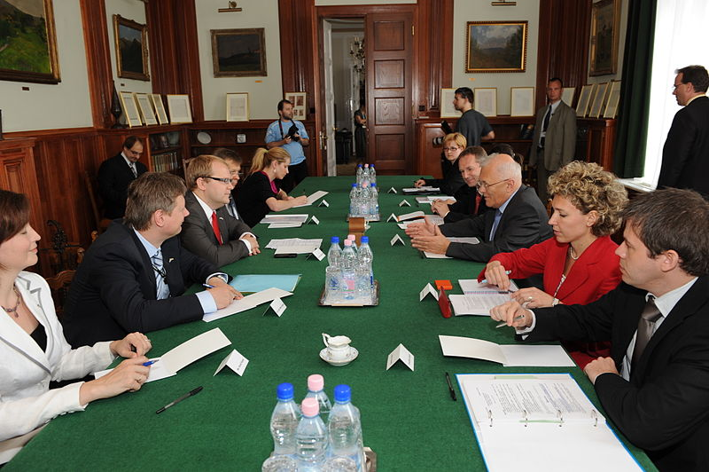 File:Paet meets with Hungarian colleague (3545067431).jpg