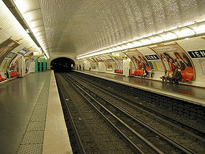 Iéna (Paris Métro) - Image: Paris Metro Iena