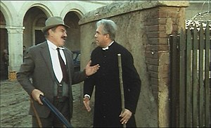 Gastone Moschin - Lionel Stander and Moschin in Don Camillo e i giovani d'oggi (1972)
