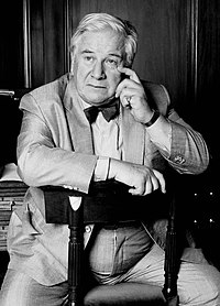 Peter Ustinov black & white Allan Warren.jpg