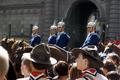 Pfadfinderstamm Ägypten, Nordlandfahrt des Stammes Ägypten 1994 - Wachablösung vor dem schwedischen Königsschloß in Stockholm - 1.png