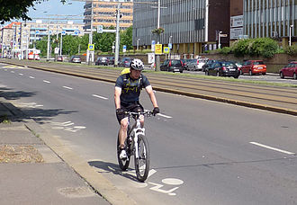 Shared lane marking - Cyklopiktokoridor in Prague