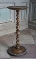 Piedestal av svarvad valnöt, 1600-tal - Skoklosters slott - 103741.tif