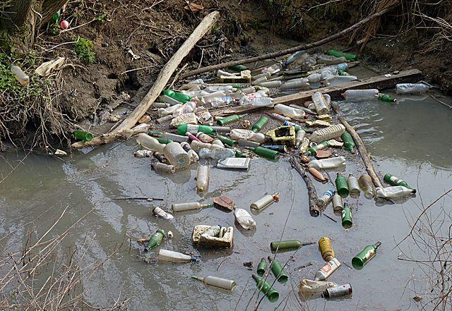Znečistenie vôd
