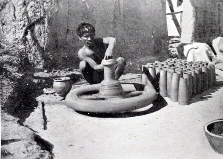 Pottery wheel before 1910