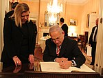 Prime Minister Netanyahu Signs the Guest Book at the Blair House (6217970907).jpg