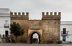 View of the Puerta de Jerez, the traditional entrance to the old city centre.