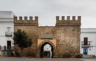 Tarifa - View of the Puerta de Jerez, the traditional entrance to the old city centre.