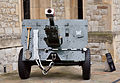 QF-25-pounder saluting gun tower of London 02.jpg