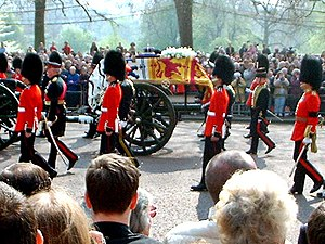 Royal Standard of the United Kingdom - Funeral carriage of Queen Elizabeth The Queen Mother, with the coffin draped with her personal standard.