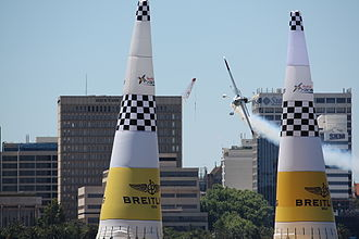 2008 Red Bull Air Race World Series - Paul Bonhomme approaches the start/finish pylons in the Perth race en route to the win.
