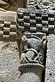 Reich geschmückt, die romanische Apsis (12. Jahrhundert) der Kirche Saint-Vivien-de-Medoc. 5.jpg