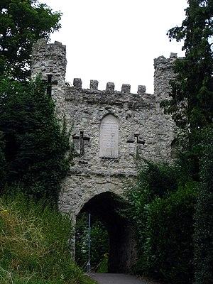 Reigate Castle - Image: Reigate Castle 001