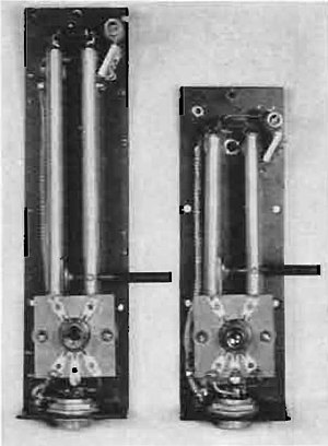 Stub (electronics) - Resonant stub tank circuits in vacuum tube backpack UHF transceiver, 1938. About 1/8 wavelength long: (left) 200 MHz stub is 19 cm, (right) 300 MHz stub is 12.5 cm