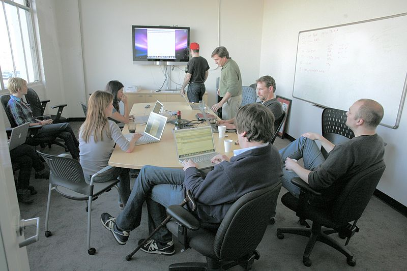 File:Revision 3's Friday afternoon staff meeting.jpg