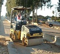 Road roller ride-on articulating-swivel small 01.jpg