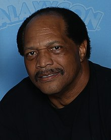Ron Simmons Photo Op GalaxyCon Richmond 2020 (cropped).jpg