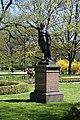 Rzezba gladiatora w Parku Ujazdowskim w Warszawie.jpg