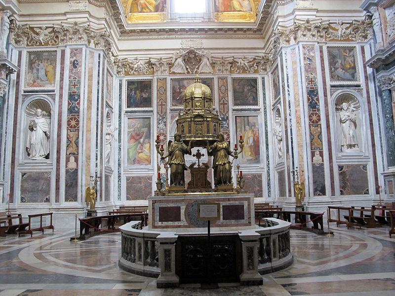 Sm större kapell i den heliga.  Sacrament (Sixtinska), fontänen (1584-7) med amrmi från settizionio 01.jpg