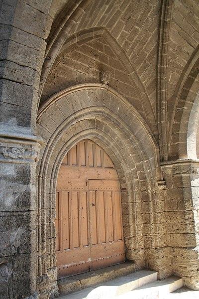 Saint-Pargoire (Hérault) - portail de l'église Saint-Pargoire.