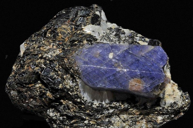 Saphir, amazonite, biotite 3.jpg