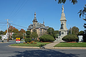 Saugus, Massachusetts - Saugus Civil War Memorial and Town Hall