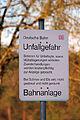 Schild- Unfallgefahr - Bahnanlage - Deutsche Bahn (13909186219).jpg